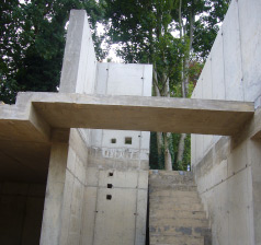 New house in reinforced concrete